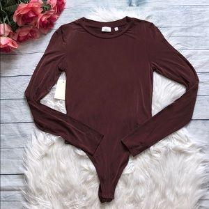 Aritzia Wilfred Folie Long Sleeve Truffle Bodysuit